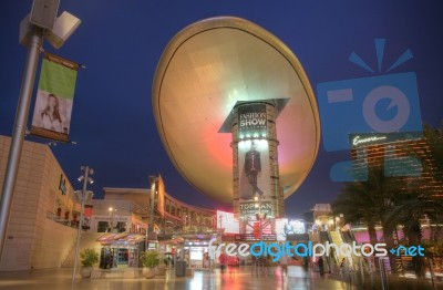 Las Vegas, Jan 29: Fashion Show Mall On January 29, 2014 In