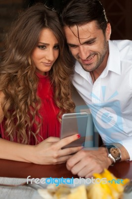 how to know if dating is going well How to tell if he really wants a relationship with you by  marissa gold  well, the fudging-of-facts  this guy's going to go into a full-court press right away.